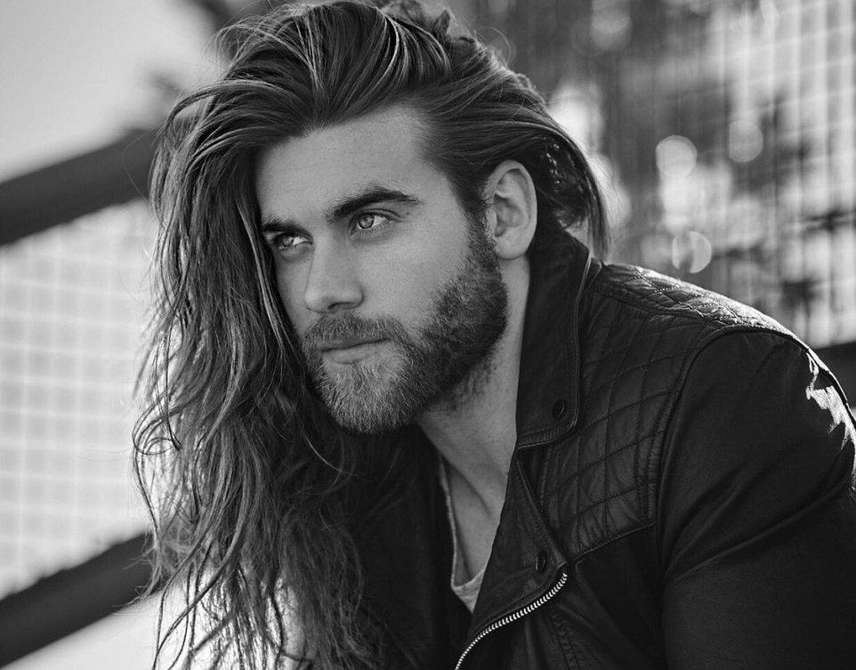Мужчины фотомодели с длинными волосами