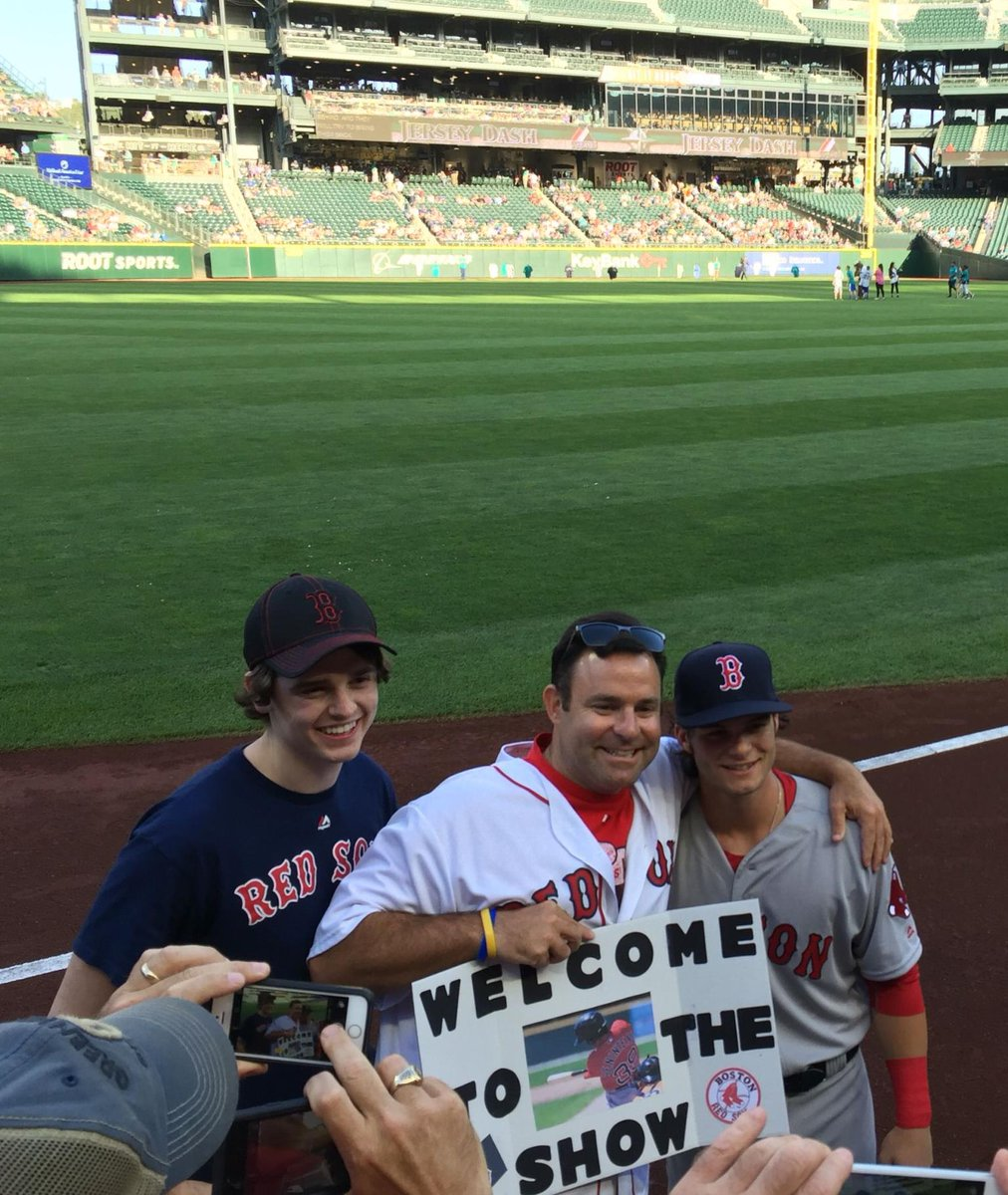 &quot;Me, top #RedSox #prospect #Andrew Benintendi with his father holding the sign I made for his first big league...&quot; #baseball #mlb #sports<br>http://pic.twitter.com/iGOeGPNyqT