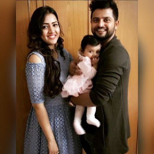 Kool Images Gallery: Suresh Raina with his daughter Gracia