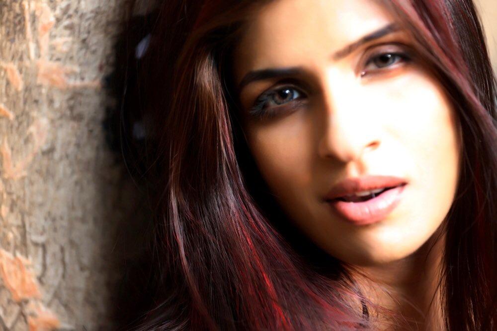 ff0f6acf44238 #commander #redhair #love #life #dream #nature #light #brown #girl  #magicpic.twitter.com/l5iKfRnw2H