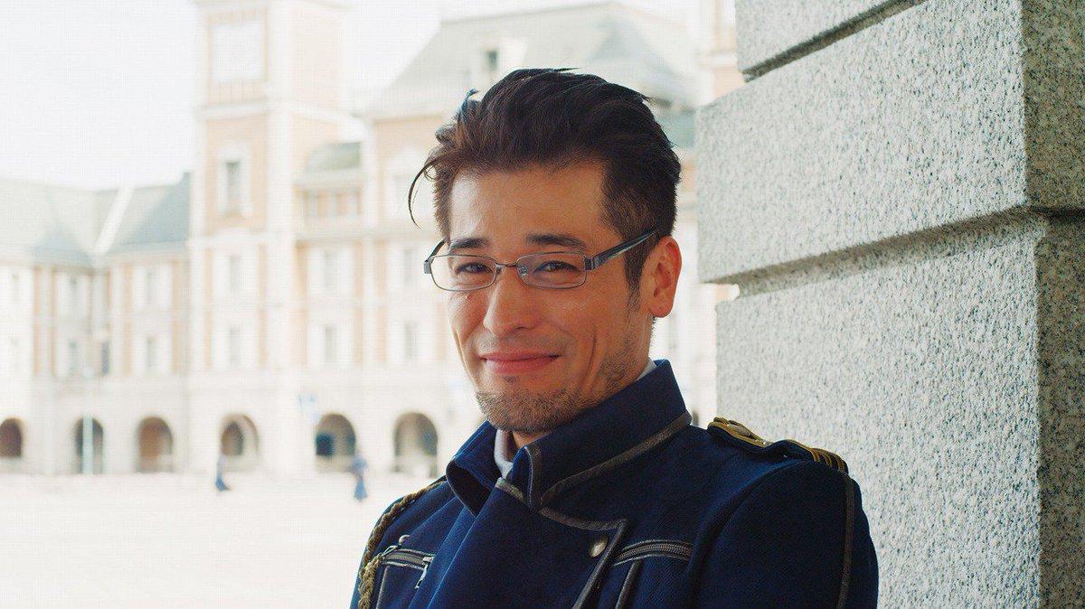 ヒューズ大佐を演じるかっこいい佐藤隆太