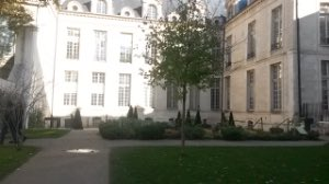 Such a gorgeous new #quiet spot mapped in #Paris @HUSHCITYapp! The sound of the #wind through leaves valued as + for #quietness. #citsci<br>http://pic.twitter.com/6a0oo6bT3P