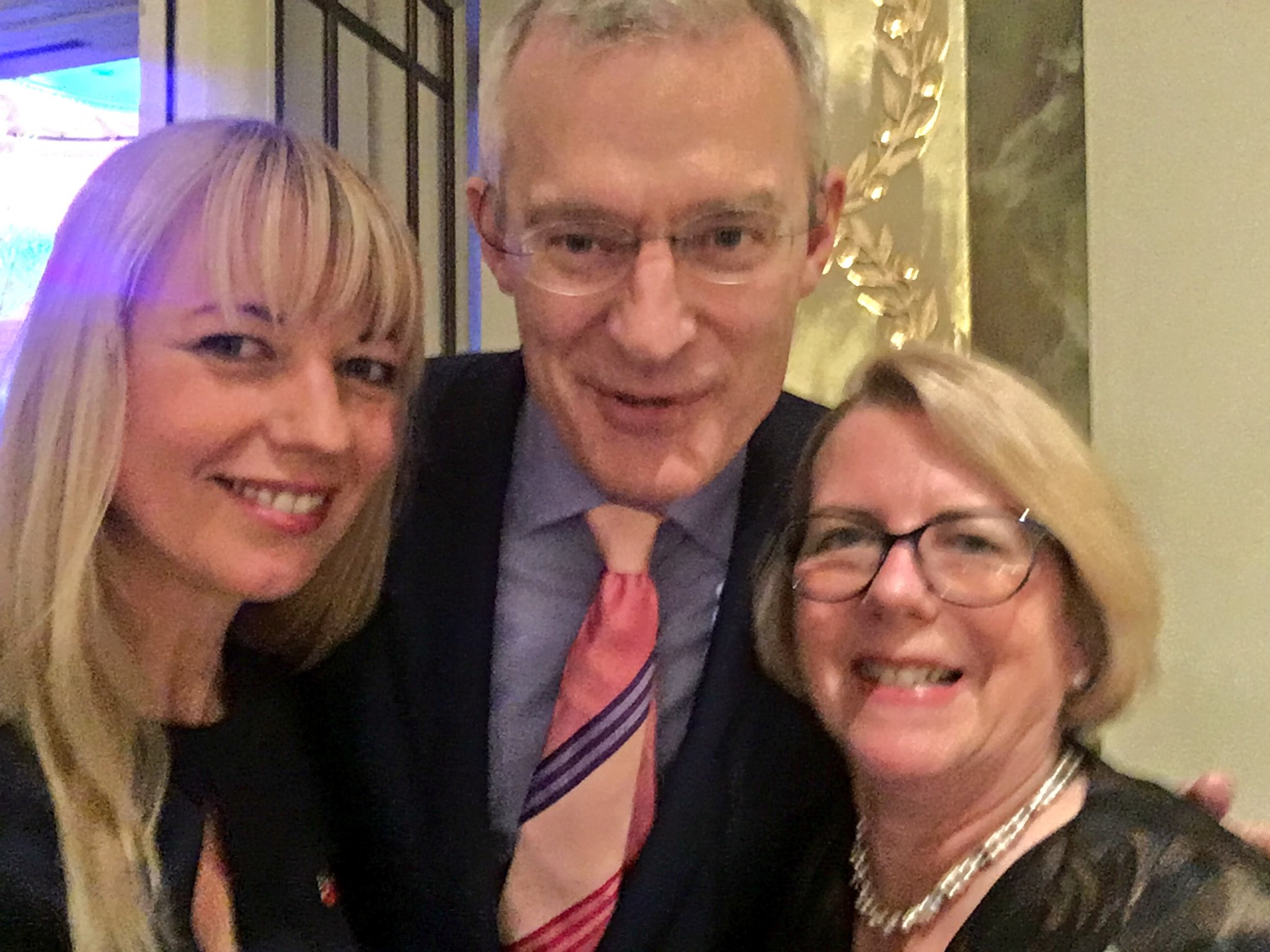 Here's @theJeremyVine enjoying being in a northern sandwich @BBCCiN @BBCRadio2 fundraising lunch https://t.co/46X8sxOFb3