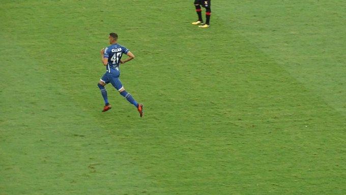 Gabriel Duarte  gabrielc duarteGaroto Jonata tem a primeira chance no  profissional do Cruzeiro. Arrascaeta é muito aplaudido na saída  trmineirao 97ca5da603bc1