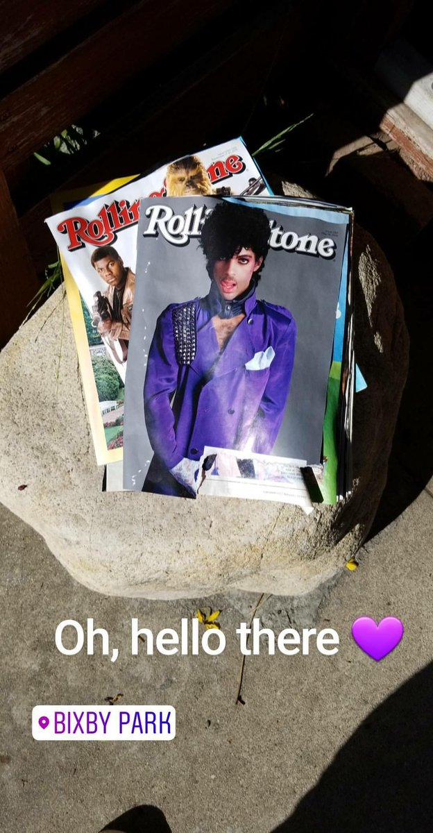 In front of some random house on 2nd st.  #RIPPrince #Prince<br>http://pic.twitter.com/CDucYciTAz