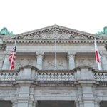 \#国旗掲揚/#迎賓館 本館に #日米 の #国旗 が掲揚されました。 pic.twitter.co…