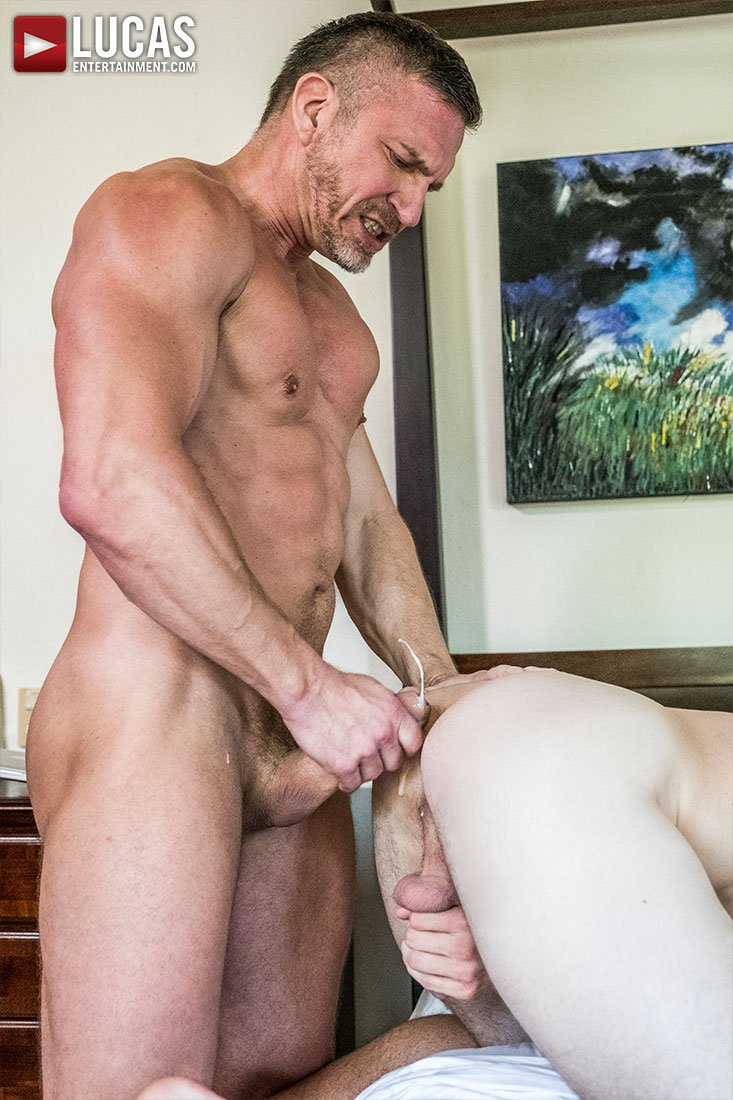 Shoot @ShawnReeveXXX  down - https://t.co/PEB2bfcQNo  - #creamycum #gayjizz #bubblebutt #sexyman https://t.co/elRB86HSKj
