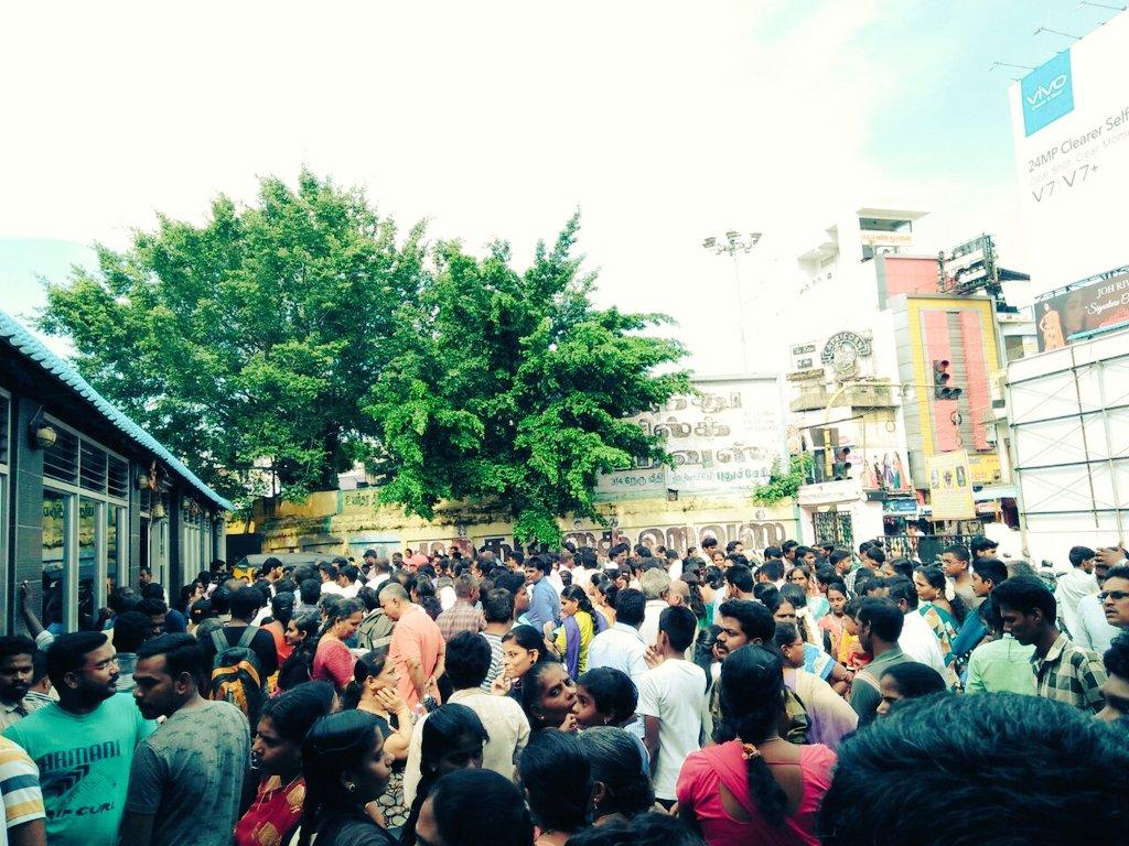 Pondicherry #RajaTheatre Now ! Mass Crowd   #Mersal HousefullShows ! <br>http://pic.twitter.com/xyXE6xKxcz