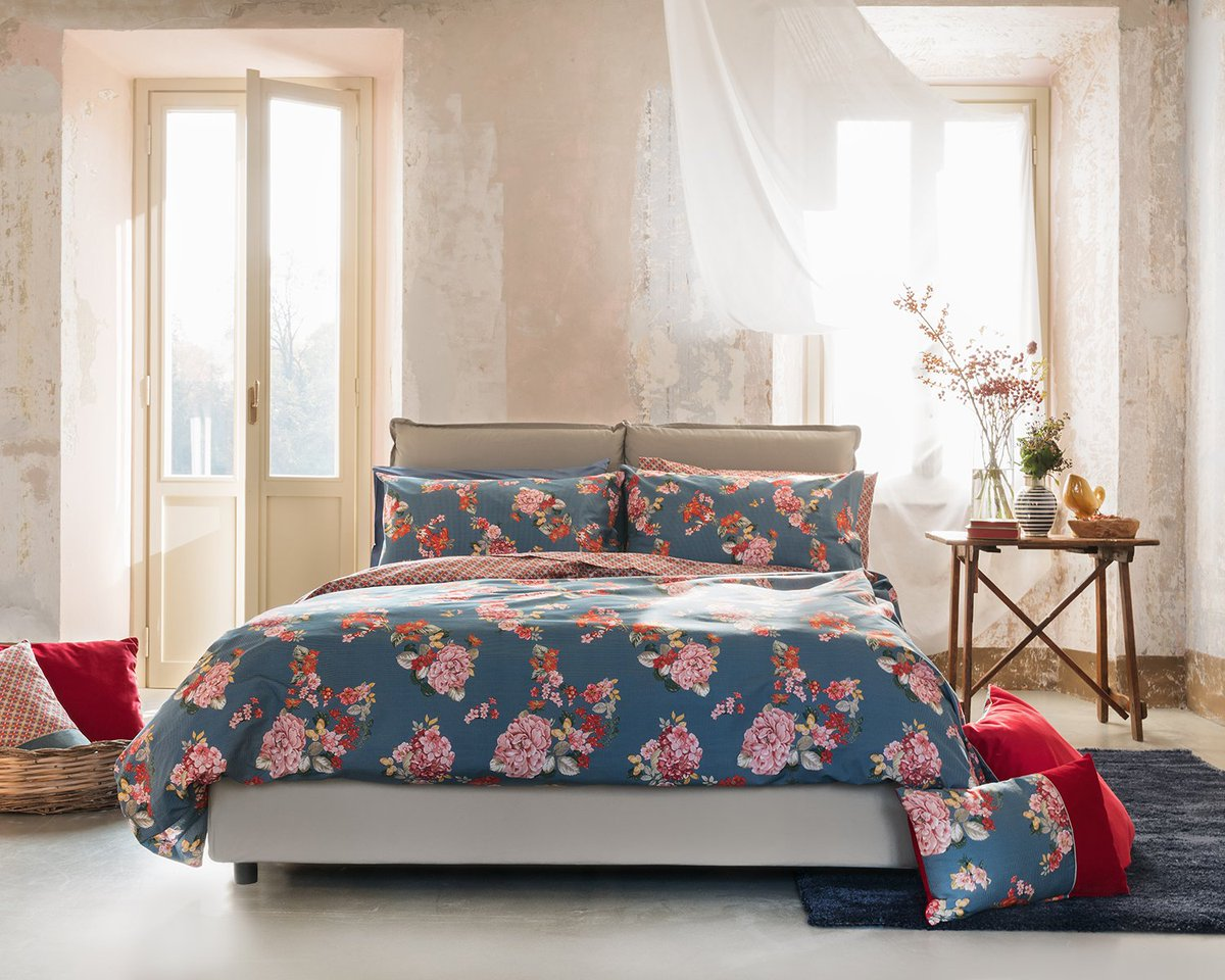 Dreaming in #FlowerPrints  The Y-Home #FW17 collection is availble in our selected stores. Don&#39;t miss it! #YamamayHome #YHome #HomeDesign<br>http://pic.twitter.com/OMtsB0pqzG