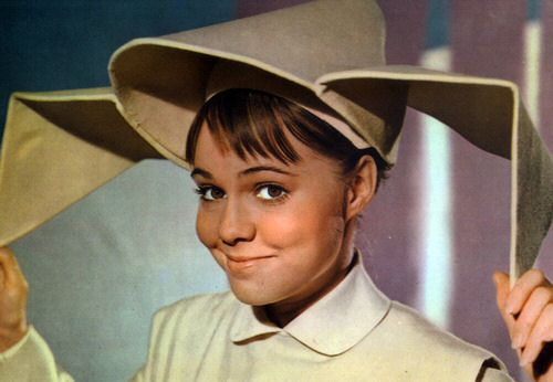 A very Happy 71st Birthday to the one & only Sally Field. Hard to believe!