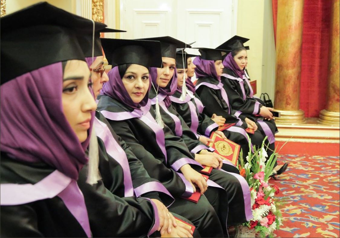 Great step forward for #Afghanistan: 1st Gender and Women's Studies graduates receive their diplomas in #Kabul! #AfghansCan #LetGirlsLearn
