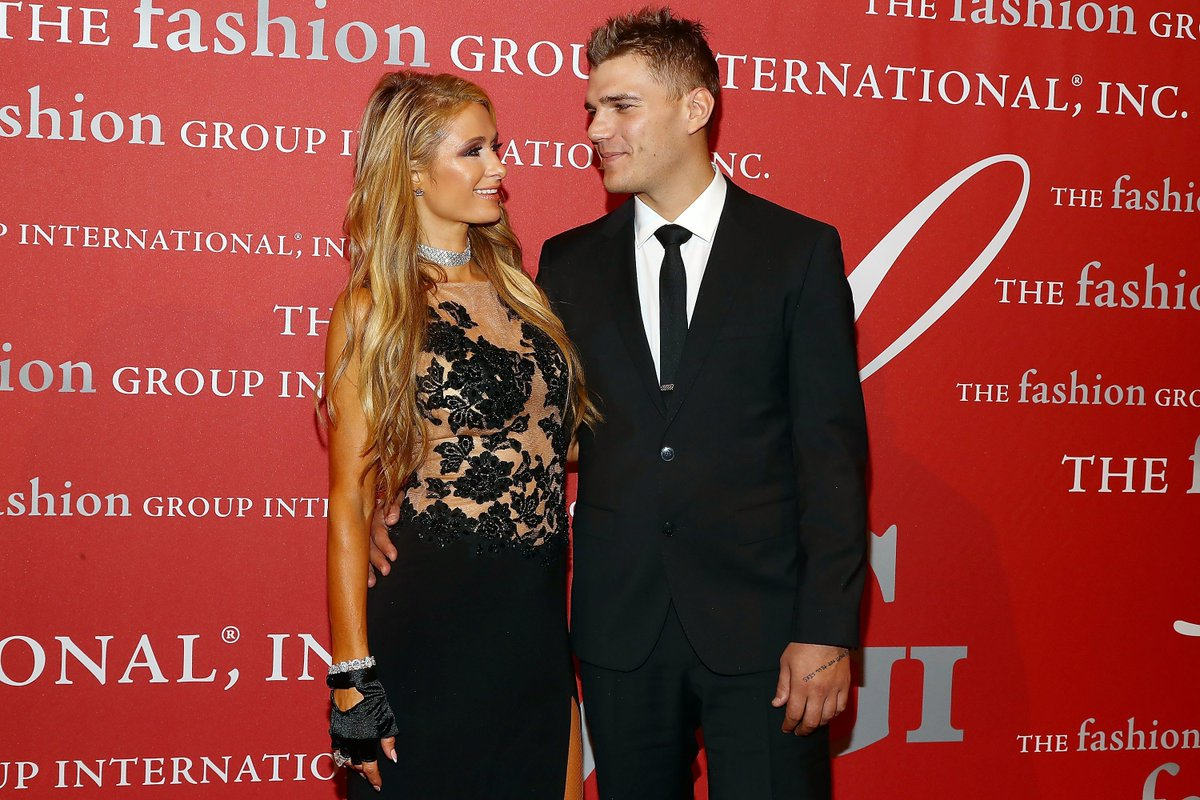 Paris Hilton and Chris Zylka Might Be Getting Married Really, Really Soon https://t.co/qRa894cMDp
