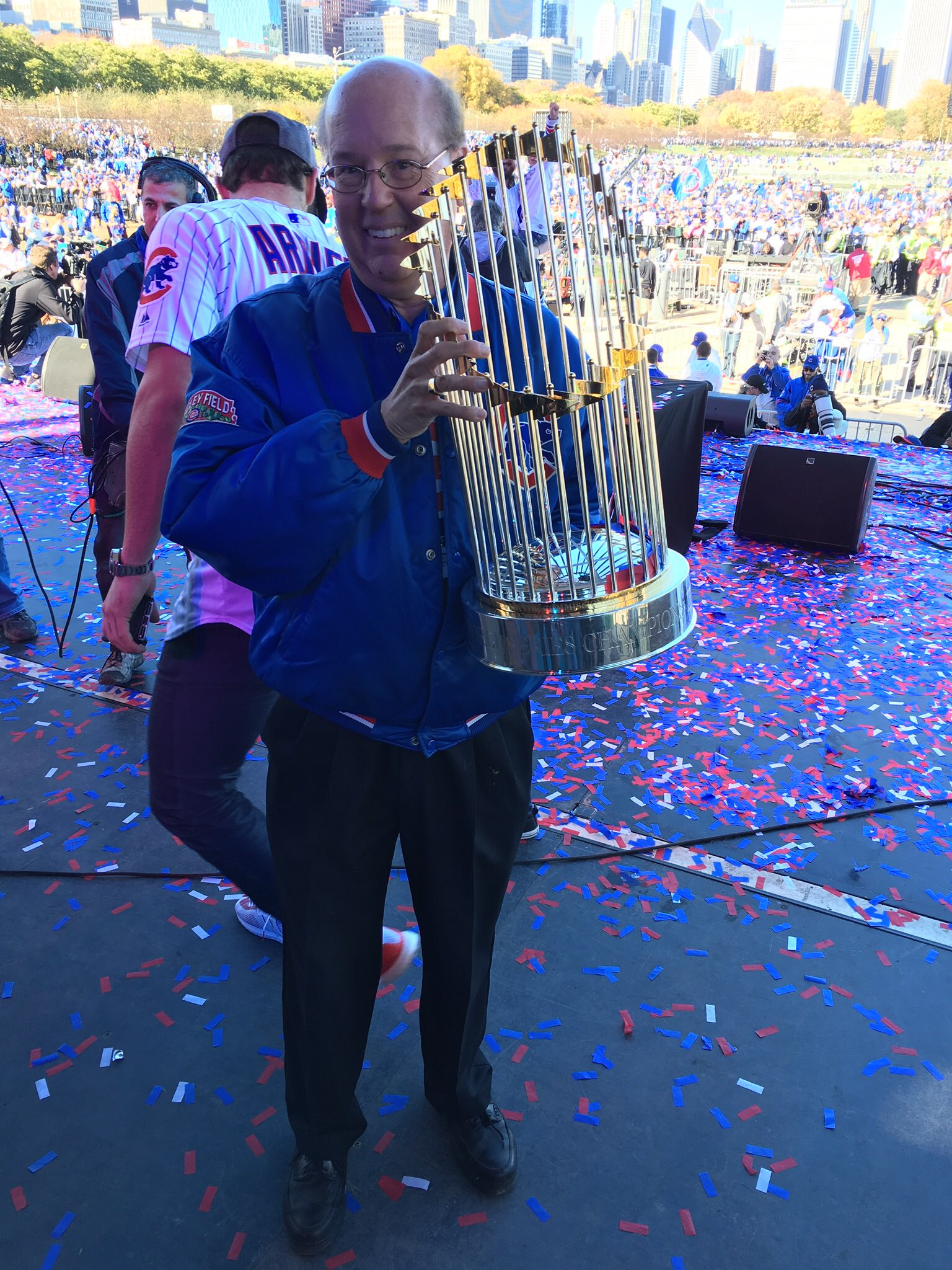 Hey Cubs fans, I hope you all had a great weekend and thought about those great memories from a year ago! -GP https://t.co/itOaaWxNYy