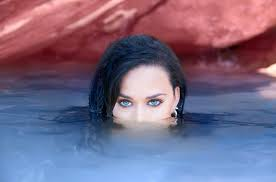 Happy birthday Katy Perry  remessage please