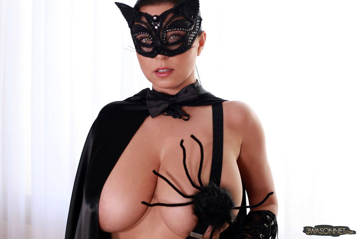 """Ewa Sonnet Pussy within ewa sonnet on twitter: """"halloween, pussy cat, and spider! i'm"""