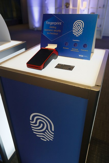 Paying with your fingerprint? @Visa demonstrates 4 innovative ways to pay at #BloombergNext reception in Washington, D.C. <br>http://pic.twitter.com/Jyjq3n5llB