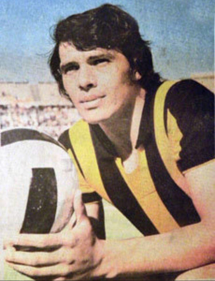 """Wilson Méndez Twitterissä: """"Hoy es el cumpleaños del mejor futbolista chileno: Elías Ricardo Figueroa, campeón uruguayo con Peñarol en 1967 y 1968, Supercopa 1969… https://t.co/FA1uUOehZs"""""""