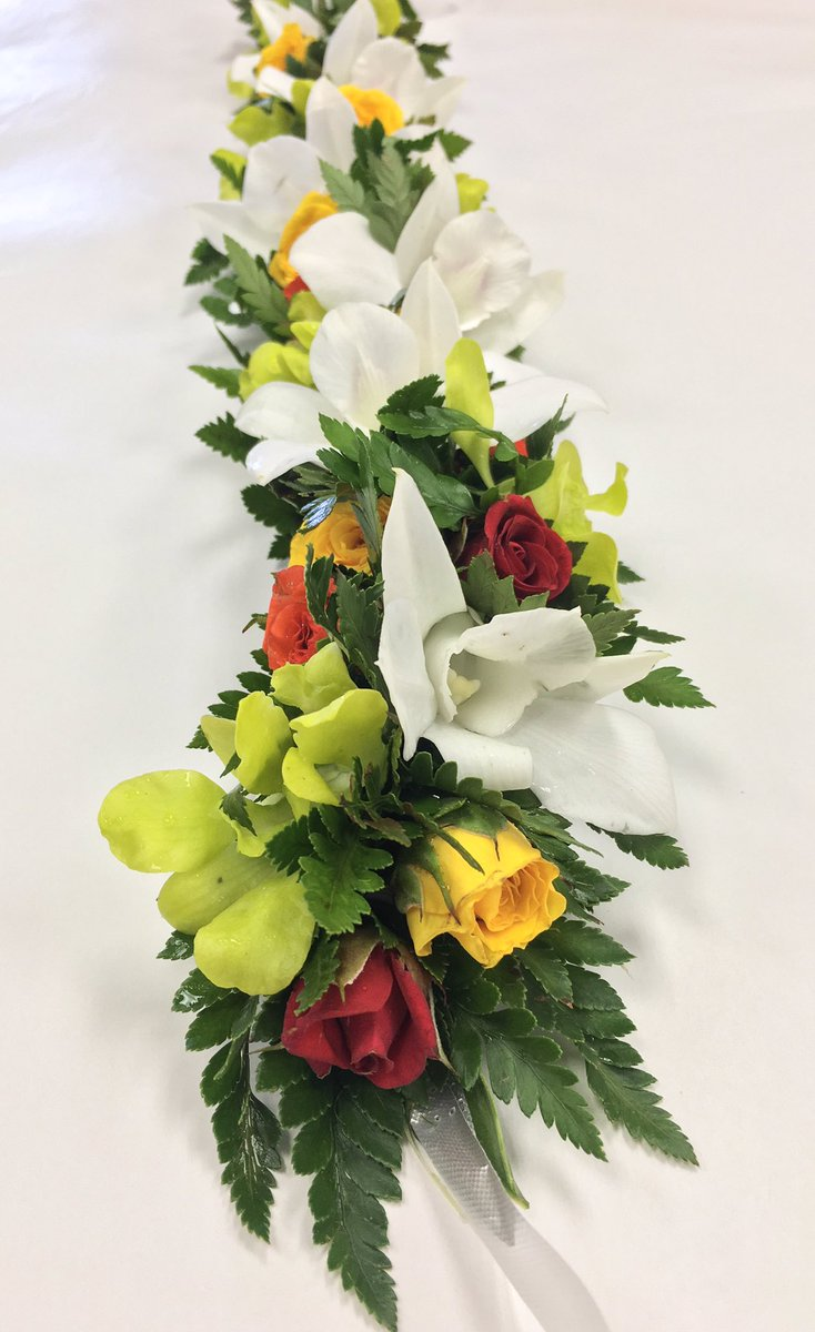 Hawaii flower lei on twitter who needs a tiara when you can have a hawaii flower lei on twitter who needs a tiara when you can have a flower crown made of fresh flowers of your choice hawaiiflowerlei izmirmasajfo