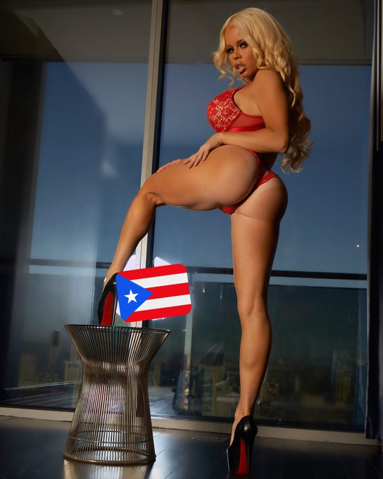 Thr hottest site on the net @camsdotcom https://t.co/P6da060WjM the only place too find me for live camming