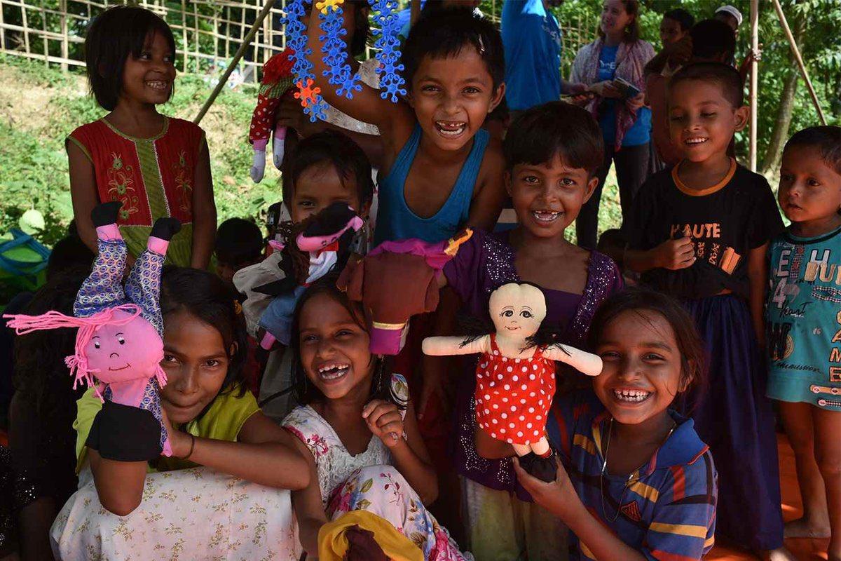 Ponemos en marcha espacios amigos para los niños #rohingya; ahí pueden jugar y divertirse ☺️�� https://t.co/WAKuP8CJDC