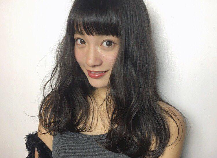 タンクトップの福田愛依