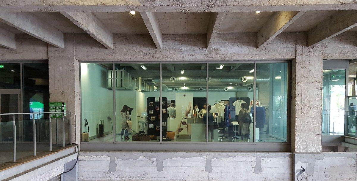 #MODE: Lors de la @FTweekParis, le vestiaire de demain s'expose #wearables #fashion #FTExpo  #FTWeek #technology  https:// buff.ly/2h68Jjv    pic.twitter.com/wOiIZg5tBe