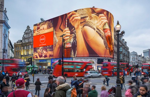 Piccadilly billboard lights return with interactive features https://t.co/mLsom3E7YG #PiccadillyOn #PiccadillyLights https://t.co/3dU1RGf35M