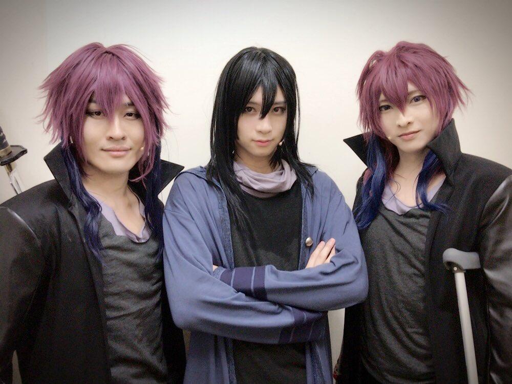 ブログを更新しました。 「Kステ 東京初日 」 ameblo.jp/aramaki-yoshih…  二人の御芍神紫とクロ。  そして クロ。