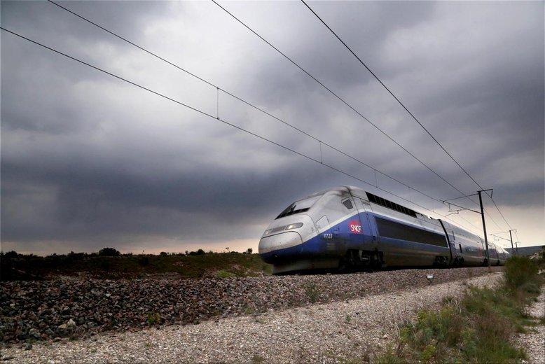 #TGV : gros retard sur un #Nantes - #Marseille  http:// sur.laprovence.com/b6t1-gr1M  &nbsp;   @SNCF<br>http://pic.twitter.com/KYxeOYrjFq