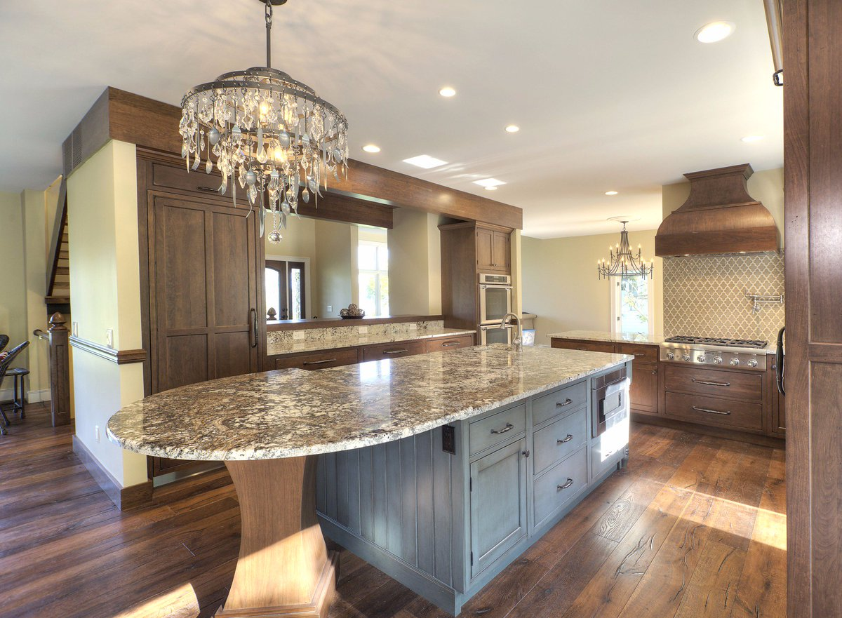 A Kitchen Remodel In Traverse City, Michigan Was Designed With The Roca  Door Style In Cherry Finished In Cappucinno With A Chocolate  Glaze.pic.twitter.com/ ...