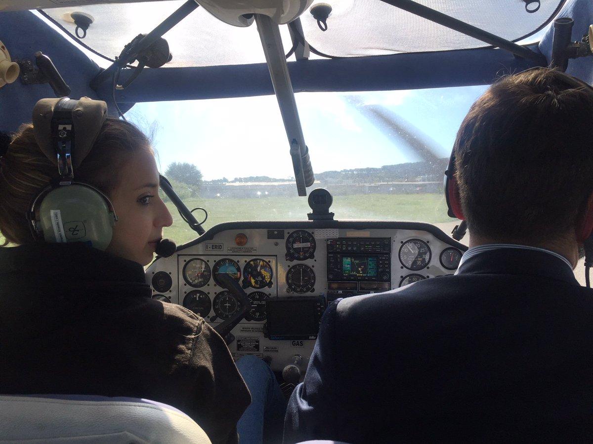 Aeroporto Dell Urbe : Atterraggio da paura all aeroporto si rompe il carrello piloti