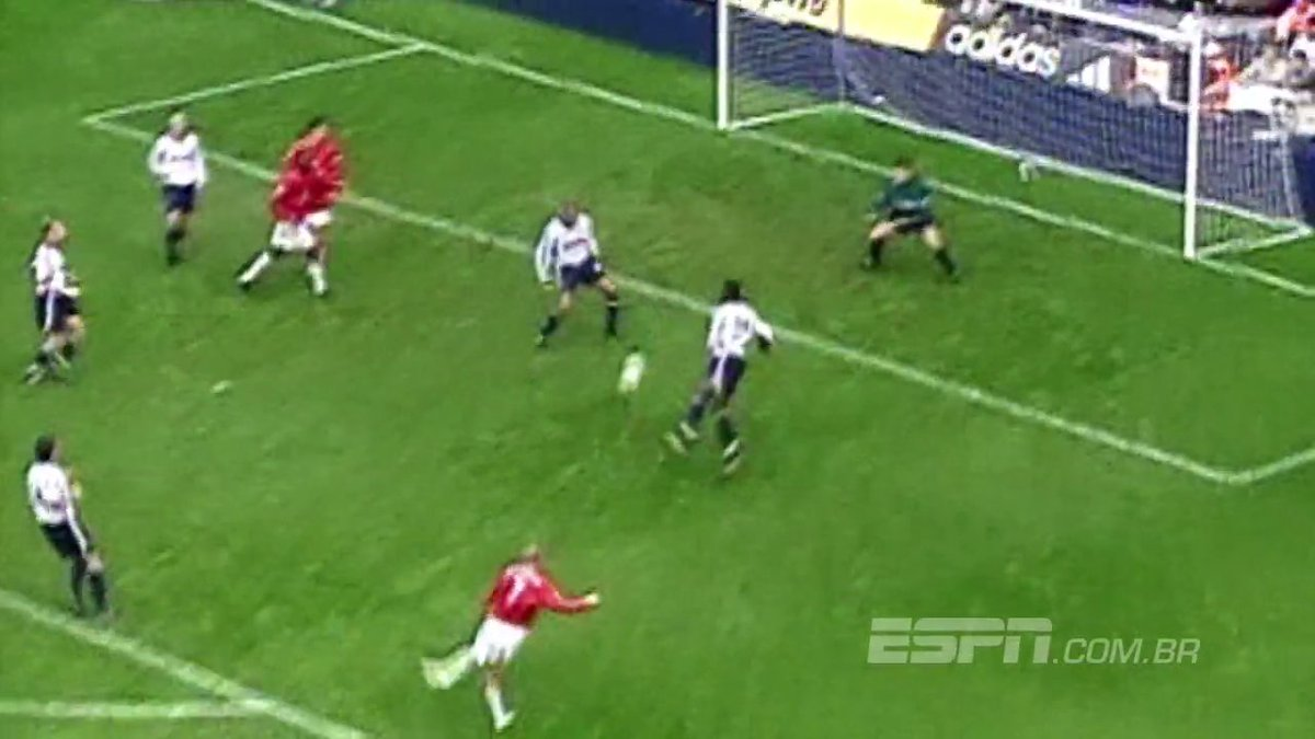 Em 2001: @SpursOfficial abriu 3 a 0, mas @ManUtd de Verón, Beckham e Nistelrooy virou no segundo tempo #MemóriaESPN https://t.co/HcSRqDxsjK