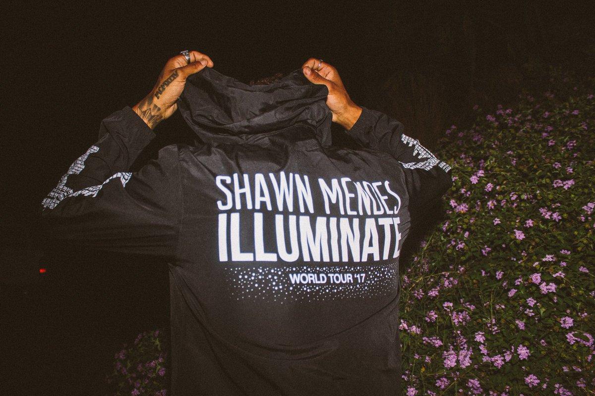 New limited tour jacket on the @shawnacc...