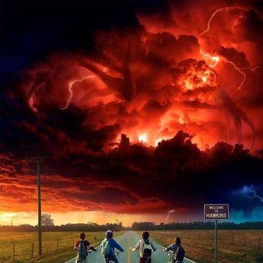 Stranger Things season 2 东部时间凌晨 3:01 正式发布,这个时间点有什么讲究? https://t.co/kowZoi5YMO 1