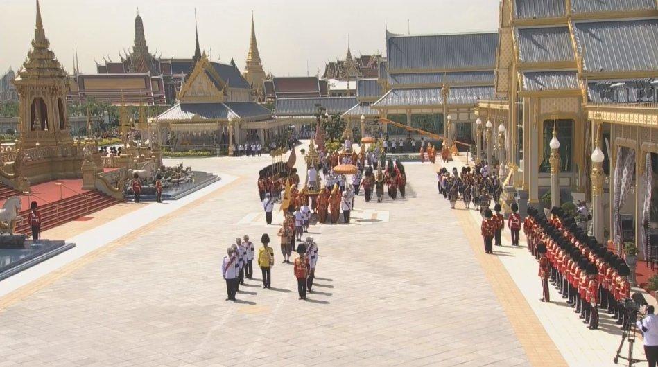 4eme procession funerailles roi thailande