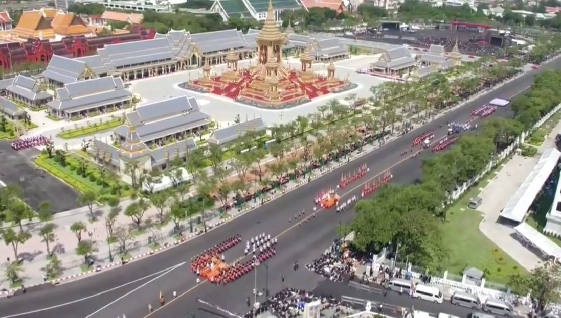 processsion obseques roi thailande