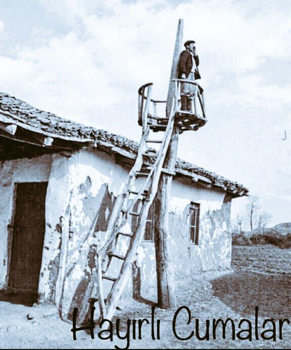 HAYIRLI CUMALAR Camimiz kırık döküktü Halıları kilimleri eskiydi Cemaat Hırsız Arsız Ýolsuz değildi Camimiz temizdi İmamlarımız da Adamdı be