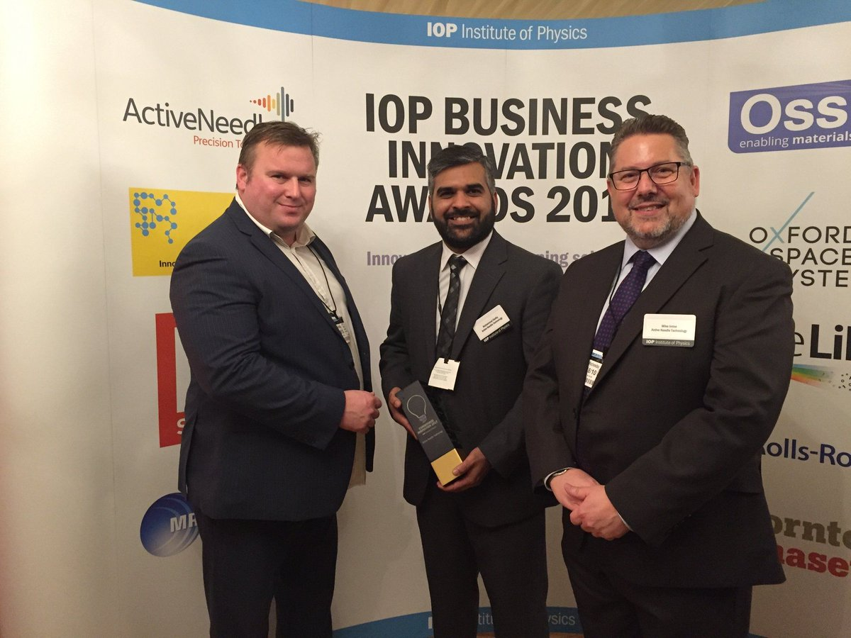 Huge congrats to @ActiveNeedle, winner of an #IoP Commended Innovation Award! @PhysicsNews #UoDtech #mostinnovative  http:// uod.ac.uk/2yOdo3D  &nbsp;  <br>http://pic.twitter.com/vjsKRhGPa7