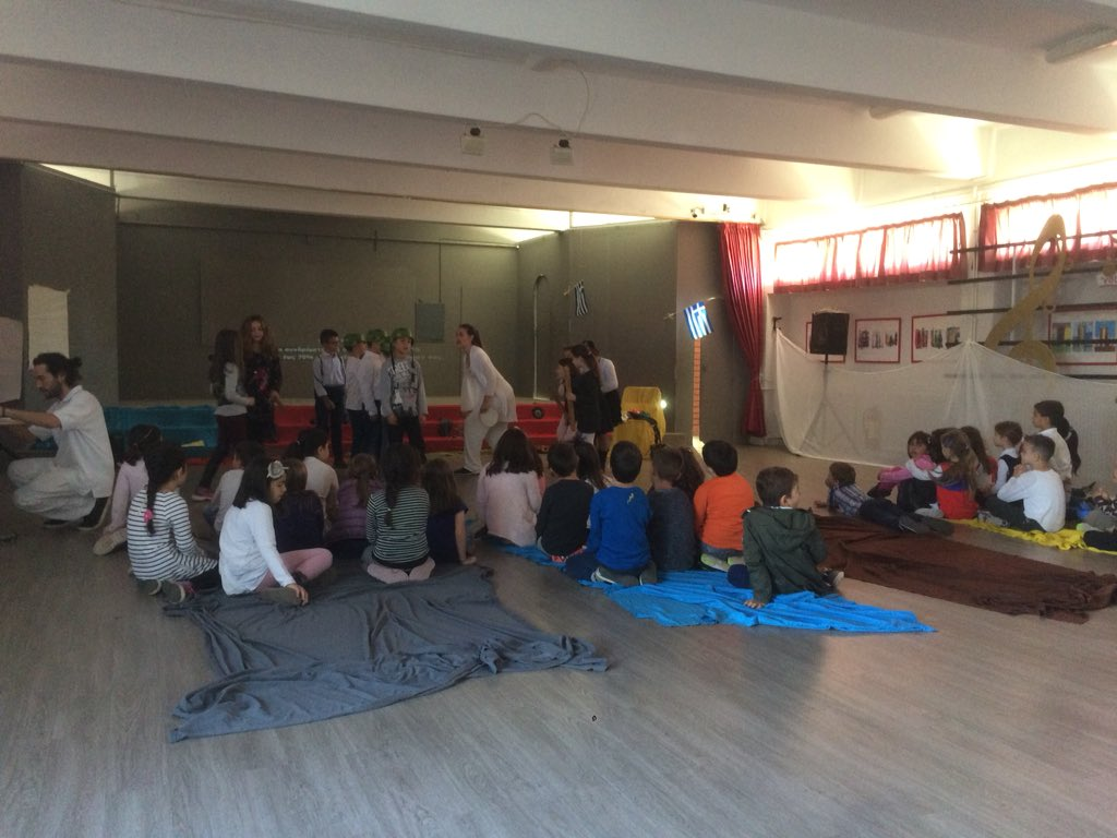 Enjoying a dance and theatre performance from the children in 4th Primary School of Rafina #epluspeople <br>http://pic.twitter.com/M8teT1vZPe