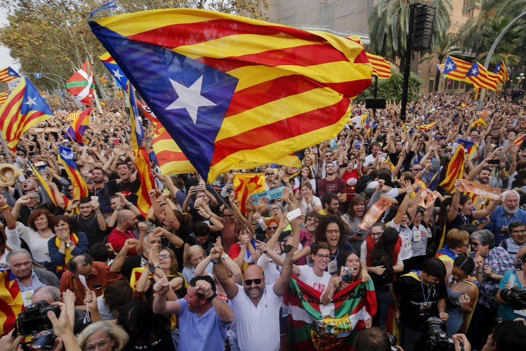 What do you want to ask our reporters in Madrid and Barcelona? Ask 👇 with #AJNewsGrid https://t.co/azOZ26BuFE