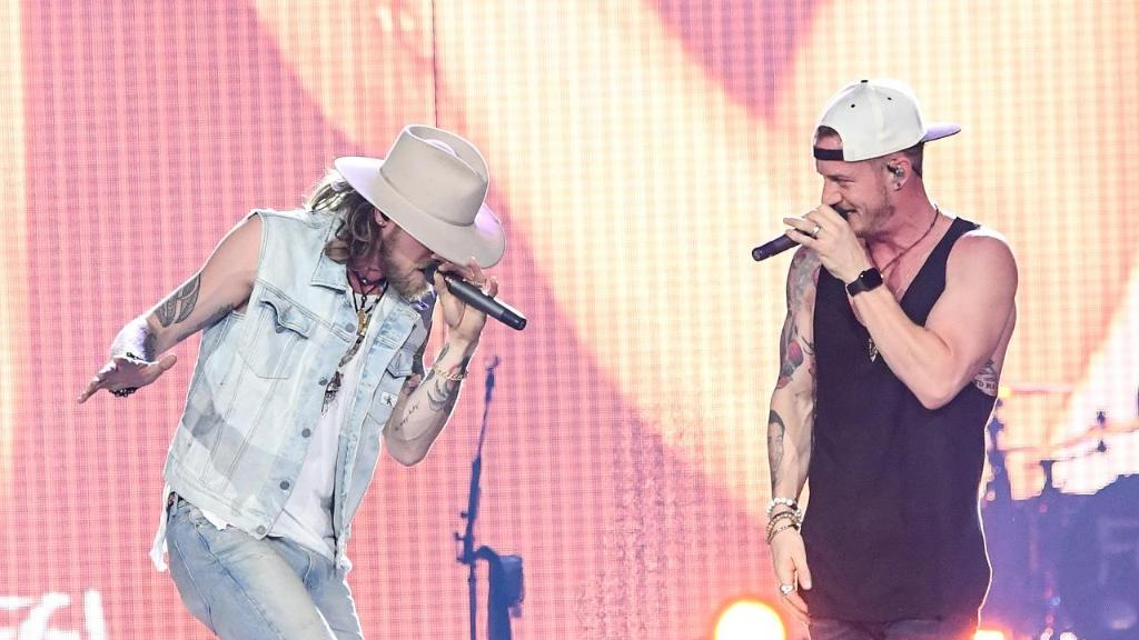 The @FLAGALine effect: Mentoring new art...