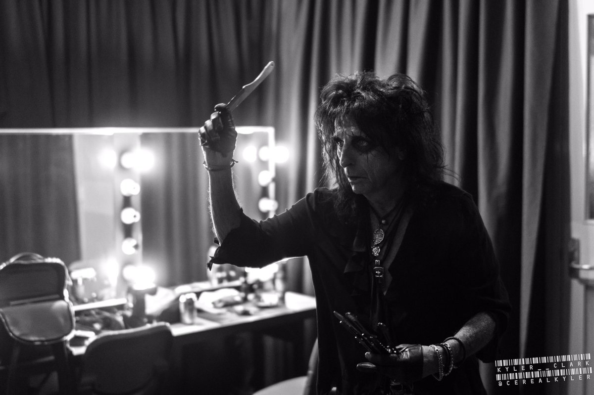 """Alice Cooper on Twitter: """"On our way to Wellington for our last show of this leg! Don't you ever wonder what I'm throwing knives at?! Photo by @cerealkyler… https://t.co/loADyEzgAa"""""""