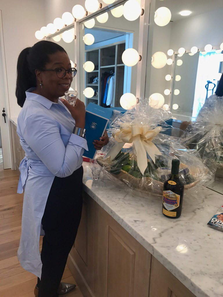 .@KellyRipa Thanks for the Tequila basket. Ready for some drankin'this weekend?! https://t.co/k36tCEf6na