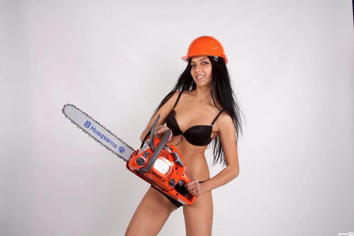 Попку фото девушки с инструментами работают на стройке