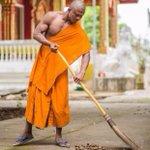 K-1王者ブアカーオの現在が?出家して僧侶になってるけど強そう!