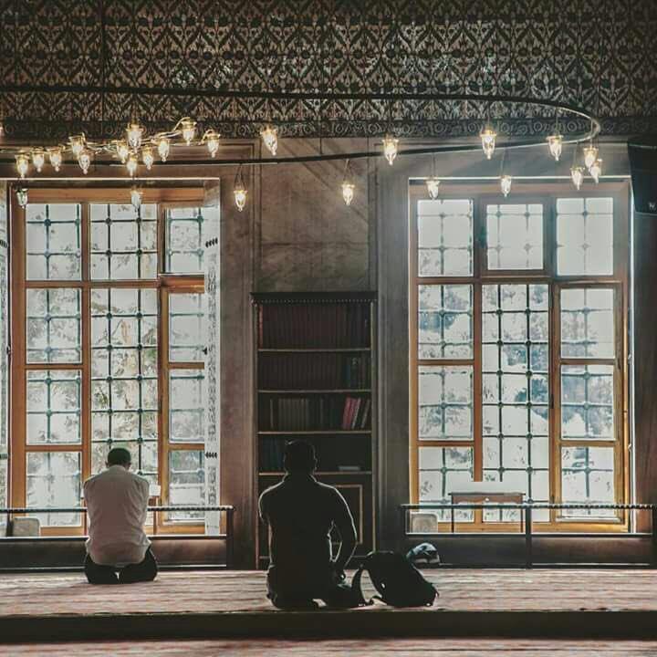 """قال ابن القيّم رحمه الله :  """"من كثرت همومه ، وغمومه فليكثر من قول : لا حول ولا قوة إلا بالله""""."""