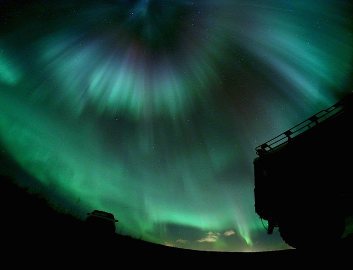 Happy Saturday! Have a colourful weekend :-) #NorthernLights #Iceland  https://t.co/I8gNsifCdU https://t.co/8L3JrK8Yq8
