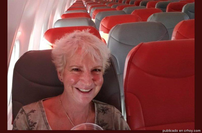 ¡Increíble! Ella pagó $60 y viajó sola en un avión. #Vuelos #Sorpresas  https://t.co/OhsB38GWZv https://t.co/mvy9VFyG1o