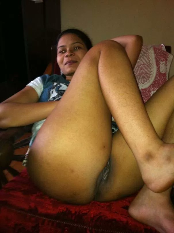 Fingering phudi and anal sex with the punjabi chick