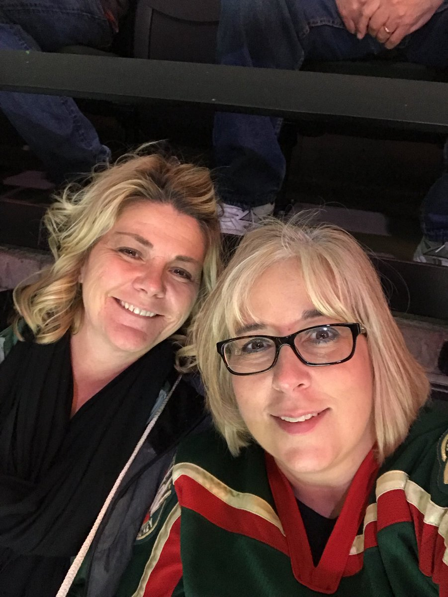 Twitter - Girls night @mnwild #livefearlessMN https://t.co/bktMVEc7Xs